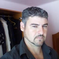 un bărbat din Slatina care cauta femei căsătorite din Oradea