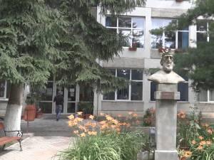 doamna caut baiat tanar in gura humorului femei singure care caută bărbați din Timișoara