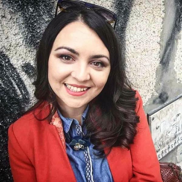 Doamna Caut Baiat Tanar In Fierbinți Târg fete in petrila