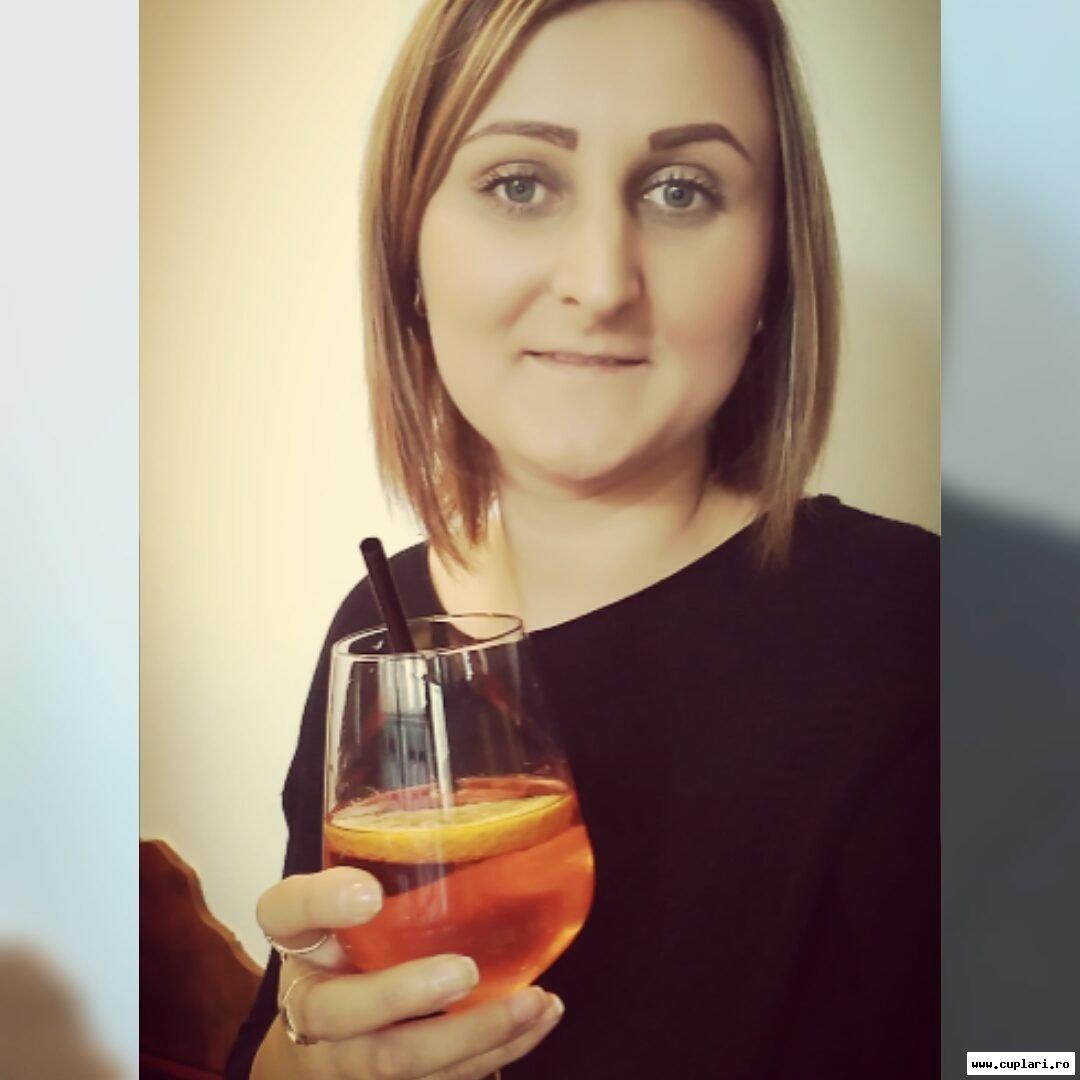 Femei Frumoase Republica Moldova   Sentimente - Fete de