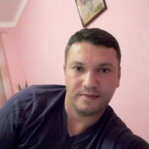 barbati din Reșița care cauta femei frumoase din Brașov un bărbat din Sighișoara cauta femei din Iași